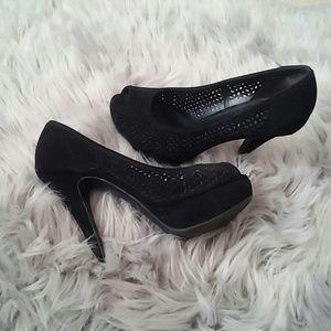 Apt 9 peep toe platform